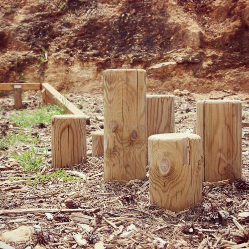 גן משחקים טבעי - שביל דילוג